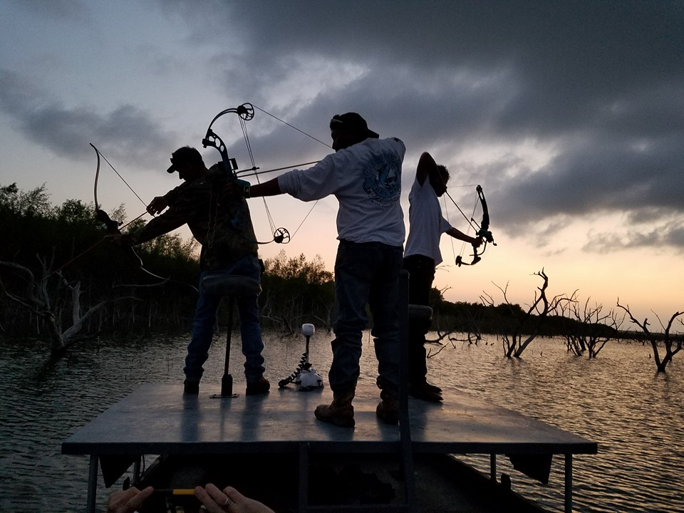 south-texas-bowfishing-15586512241418638748