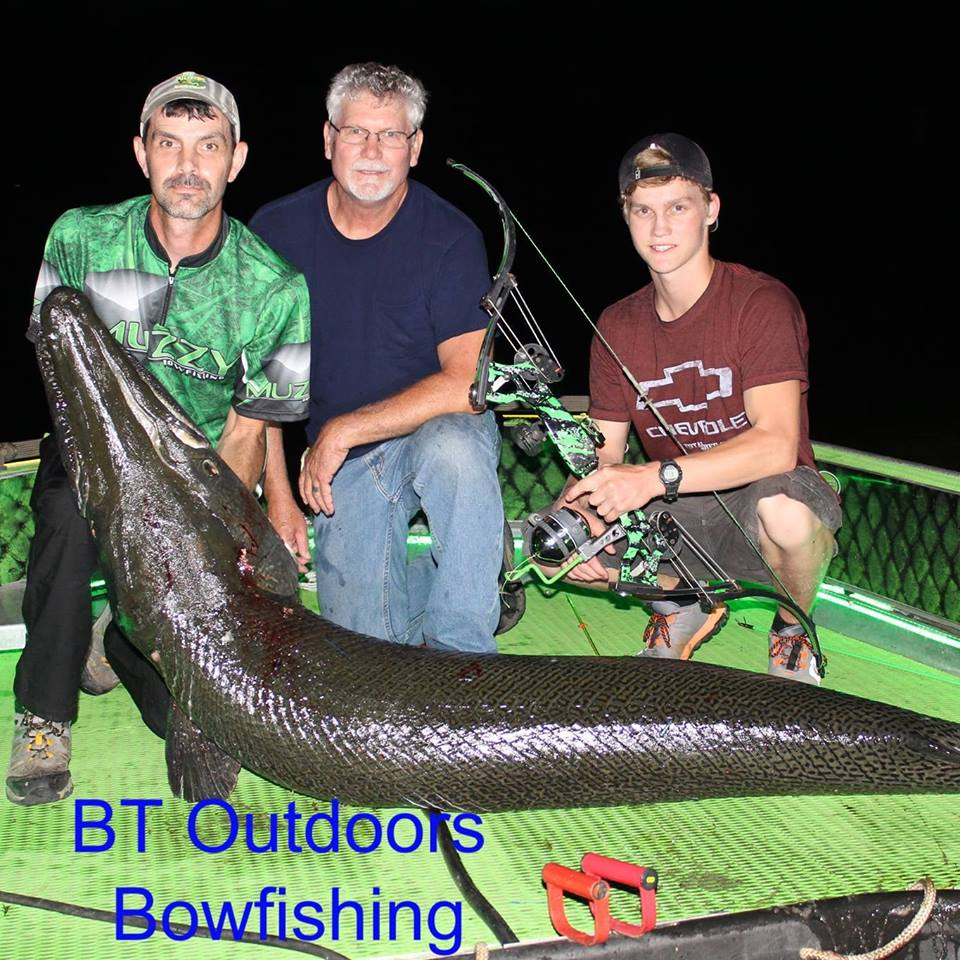 bt-outdoors-bowfishing-15659190191539317635