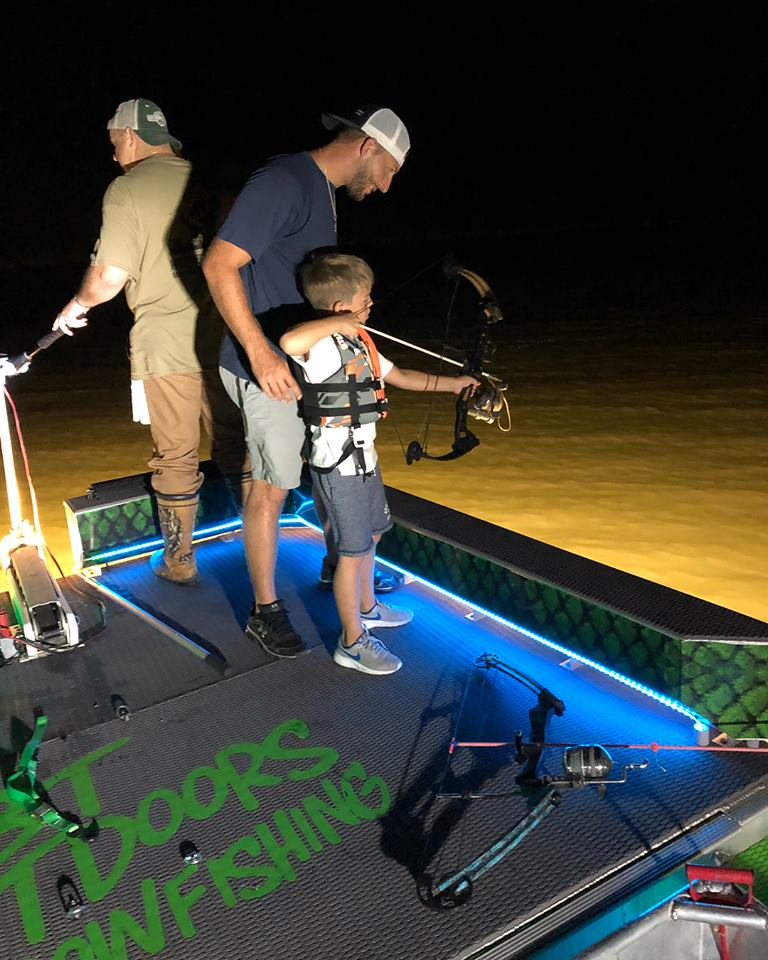 bt-outdoors-bowfishing-15659191301491608706