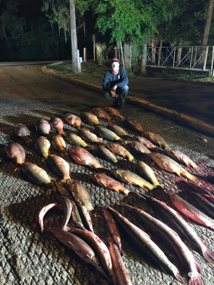 nighttime-bowfishing-1557077131524519821