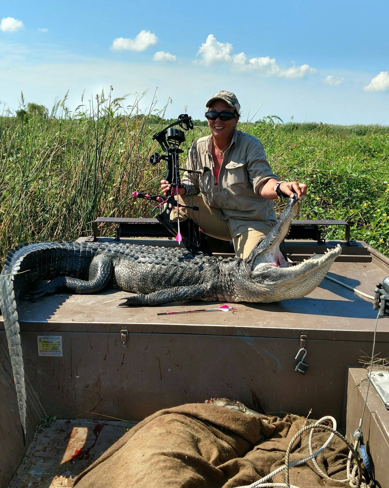 alligator-hunt-15651301961474001252